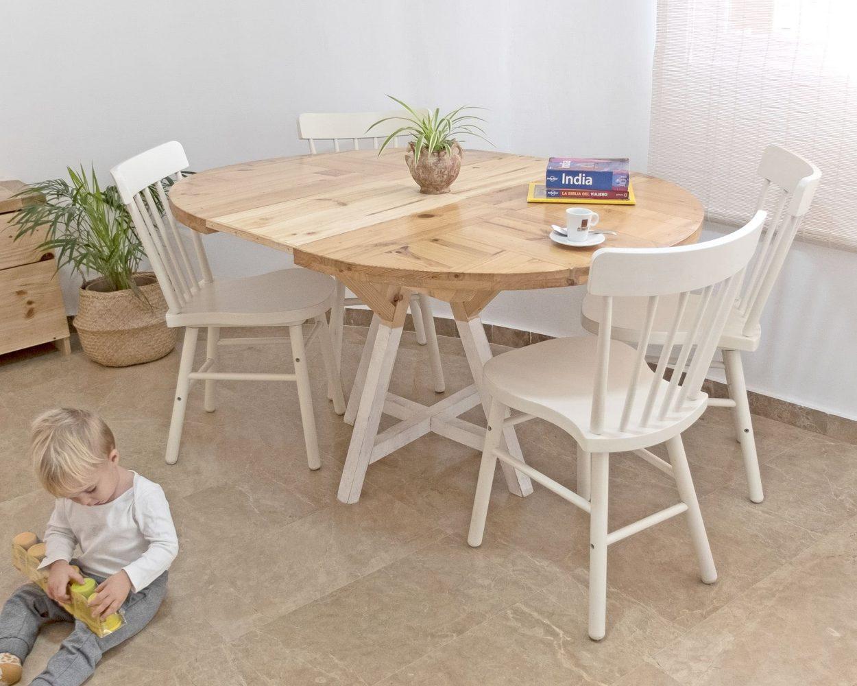 Mesa redonda de madera extensible hecha a mano en valencia. Materiales reciclados. A medida