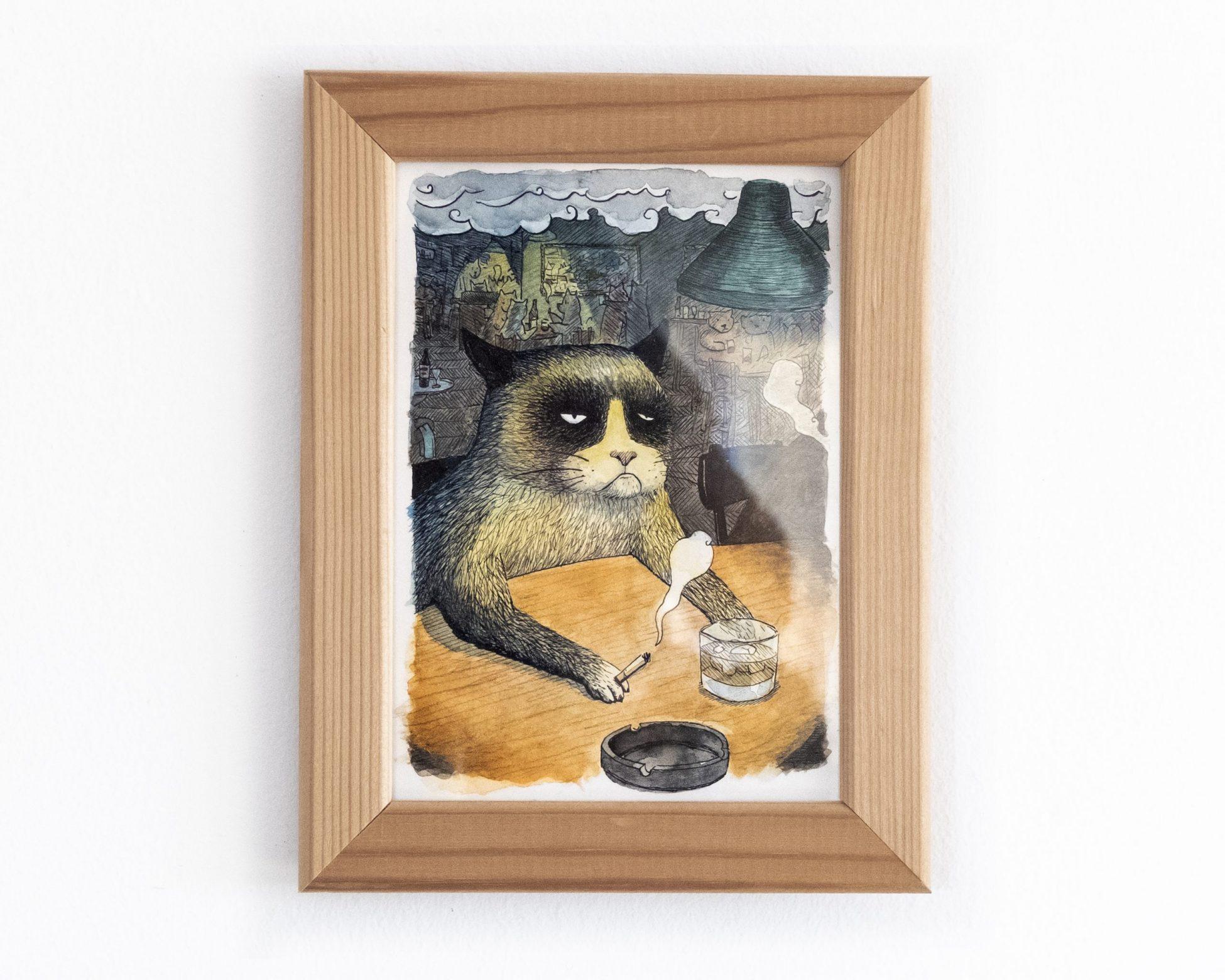 Dibujo original en tinta y acuarela de un gato tomando un whiski en un bar o pub.