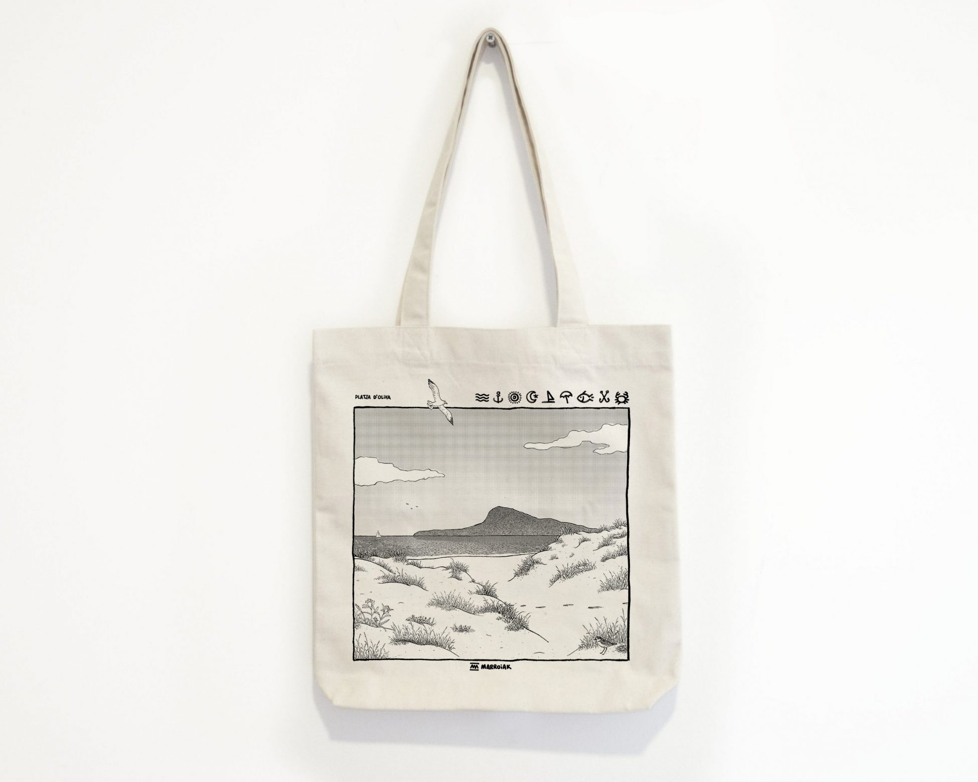 Bolsa de tela con una ilustración de la platja d´Oliva en La Safor. Dibujo en blanco y negro serigrafia
